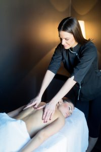 massage therapy vs physical therapy